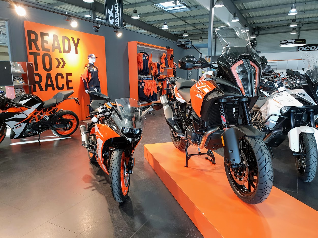 NOUVEAU SHOWROOM KTM